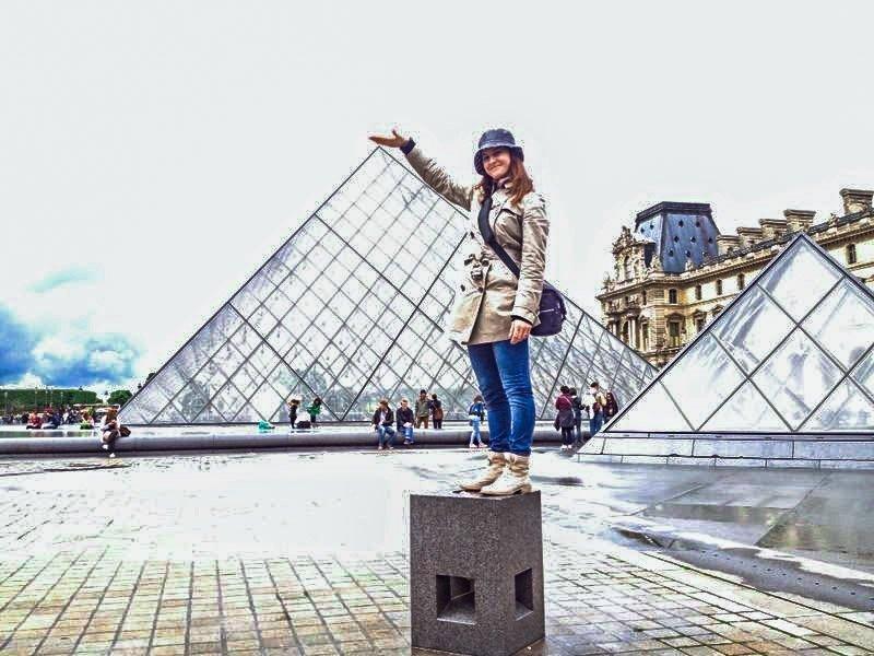 Carta d'identità rotta a parigi