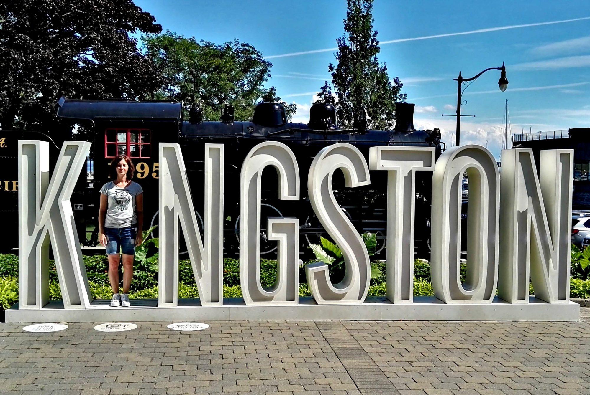 Fra le cose da vedere a Kingston c è la scritta instagrammabile