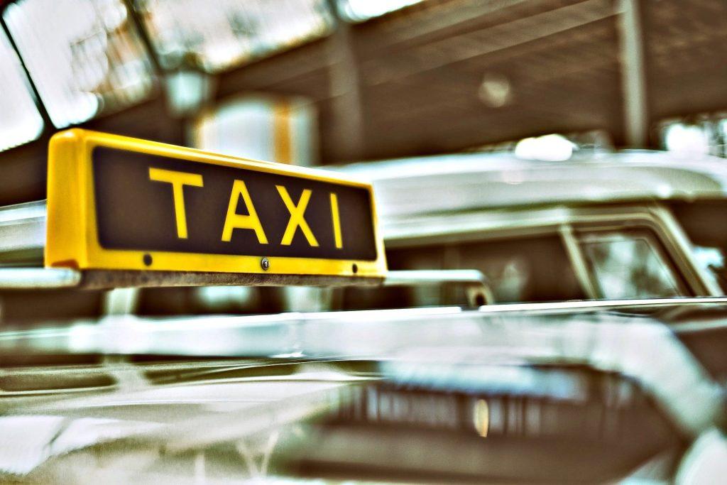 Come arrivare a Barcellona dall aeroporto, taxi
