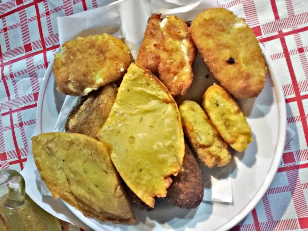 Piatti tradizionali siciliani, pianelle e crocche