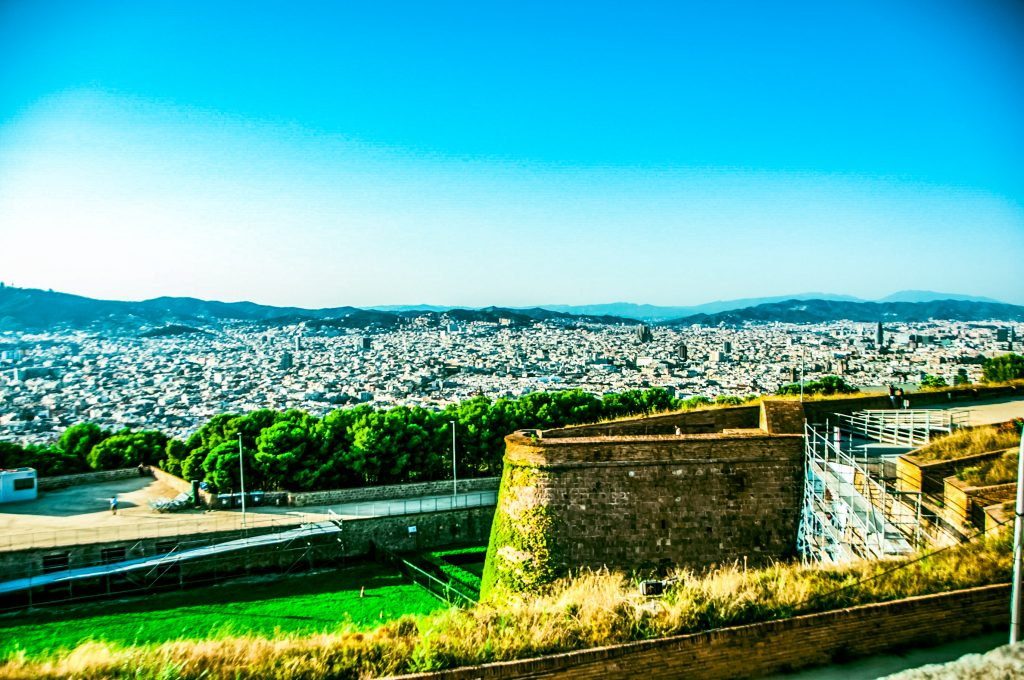 Vedere Barcellona dal montjuic