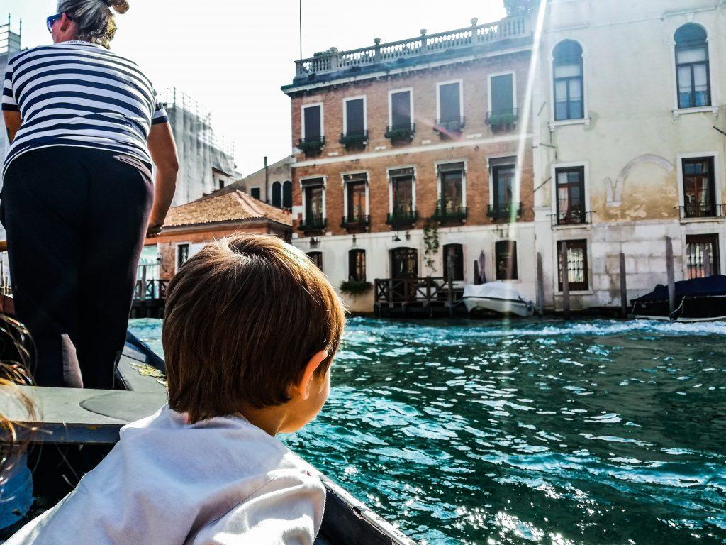 Cosa fare a Venezia con i bambini gondola